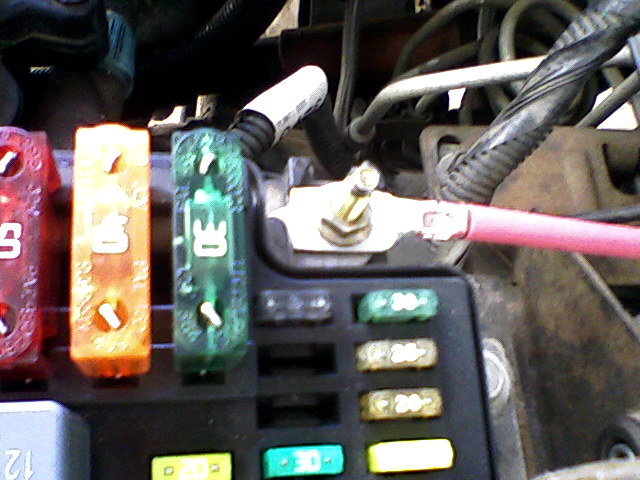 Electric Fan-7-fuse-and-post.jpg