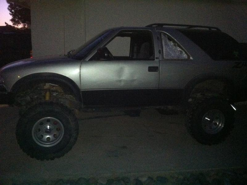 Post pics of ZR2 S-10 or Blazer-img_0022.jpg