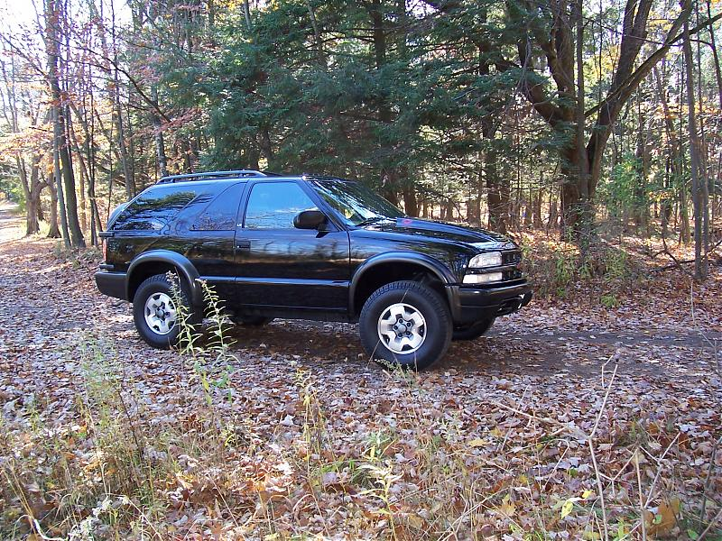 Post pics of ZR2 S-10 or Blazer-woods-02.jpg